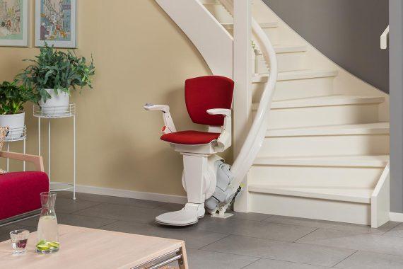 Een traplift aanschaffen: waar moet ik op letten?